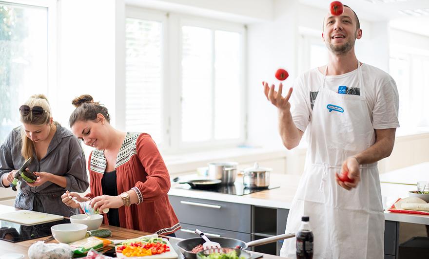 Die große Küche, hier wuselt es täglich, denn wir Willhabinger sind eifrige Köche und hungrige Esser.