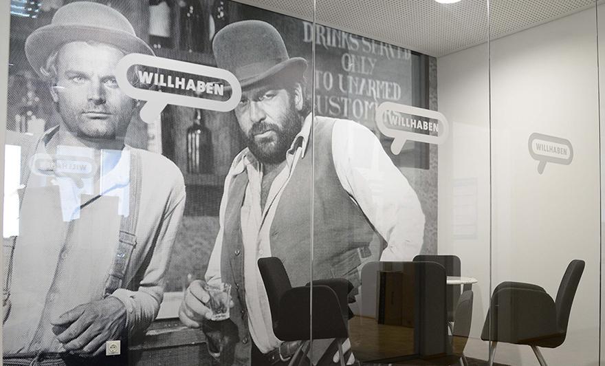 Wir lieben Terence und Bud und in diesem Meetingraum liefern wir uns richtige Schlagabtäusche.